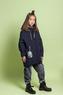 Куртка (140-164)-бочонокс серебристыми вставками и капюшёном, брелок сумочка-кепка синий сентипон 2010