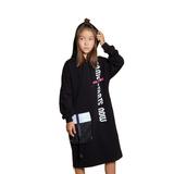 Платье (8-15)-спортивное, с капюшоном и вертикальной надписью, карман с клапаном, снизу яркие молнии черный 20132