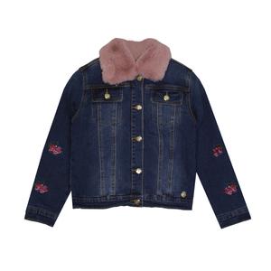 Джинсовая куртка (104-128) - утепленная, со съемным меховым воротником, на рукавах вышитые розы синий 319538-B