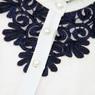 Школьная форма Блузка (13-21)-д/р, воротник стойка, на грудке и спинке синее шитьё белый хлопок 561282-2